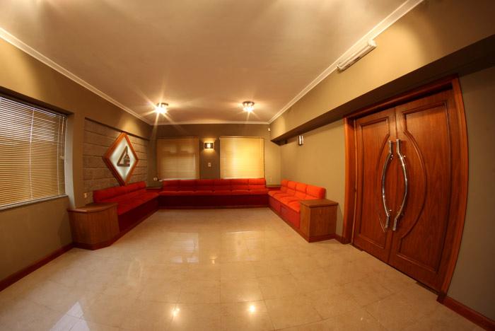 "Hall de entrada ""Salón Alberto Bretschneider"""